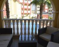 Apartment with communal pool for sale in Los Alcazares