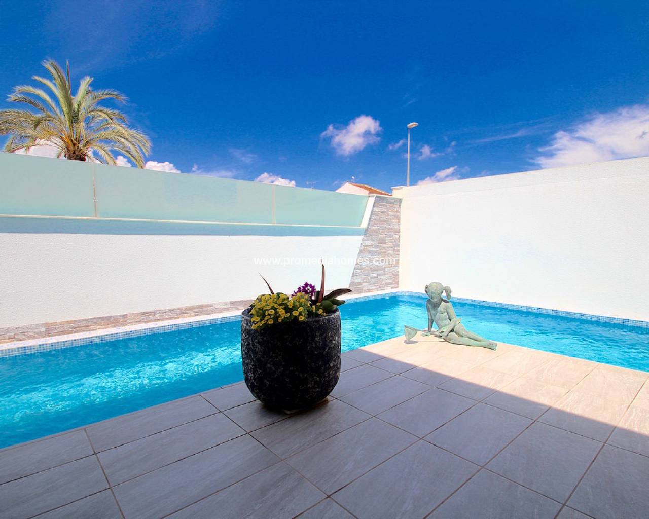 luxury villa with pool for sale in Orihuela Costa